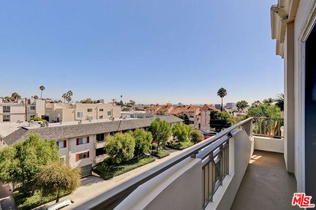 1337 Wellesley Avenue, Los Angeles CA: https://media.crmls.org/mediaz/2C7598FF-A2A6-4914-BA24-01D5820EEB33.jpg