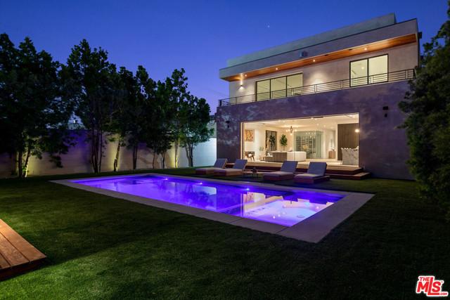 2. 716 N Fuller Avenue Los Angeles, CA 90046