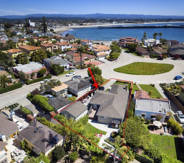 111 Manor Place, Santa Cruz, CA 95060