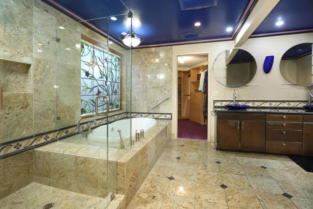 44Master Bathroom