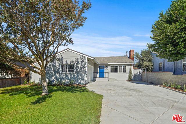 Photo of 14307 Hatteras Street, Van Nuys, CA 91401