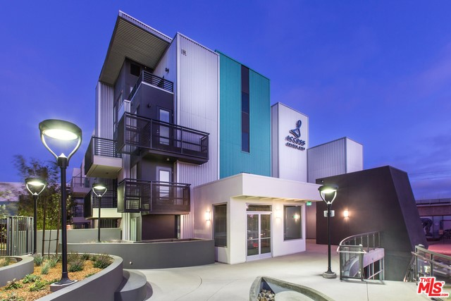 8770 WASHINGTON Boulevard 203, Culver City, CA 90232