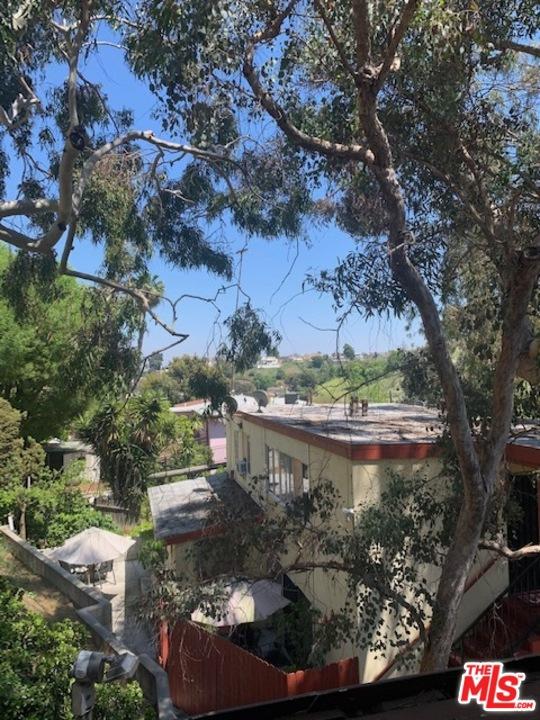 4119 DON TOMASO Drive, Los Angeles, CA 90008