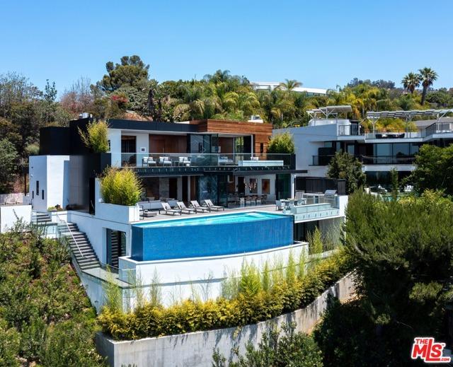 3. 9410 Sierra Mar Place Los Angeles, CA 90069