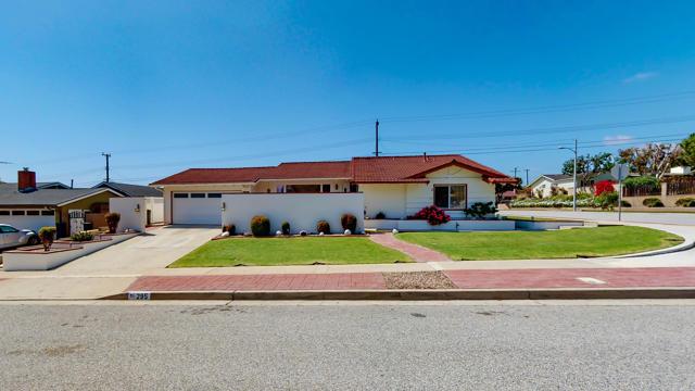 295 Fairfax Avenue, Ventura, CA 93003
