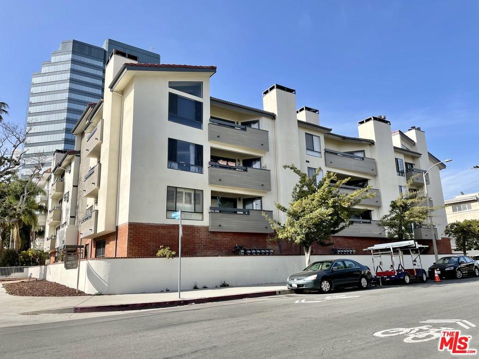 1250     Amherst Avenue   106, Los Angeles CA 90025