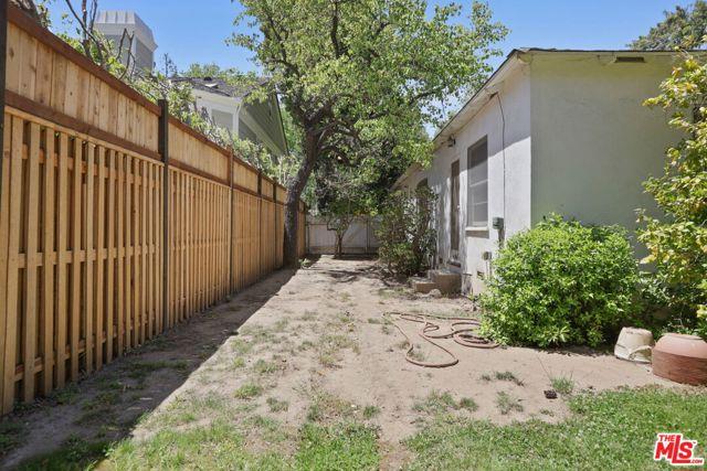 530 Avondale Av, Los Angeles, CA 90049 Photo 37