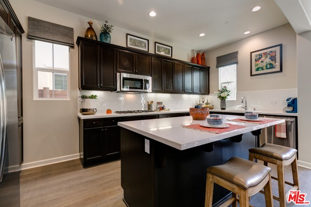 1556  Thorpe Trail, Oxnard in Ventura County, CA 93036 Home for Sale