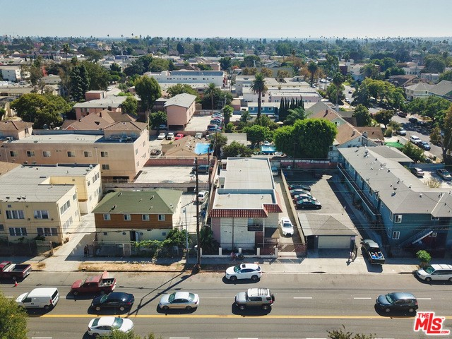 2422 VENICE, Los Angeles, CA 90019