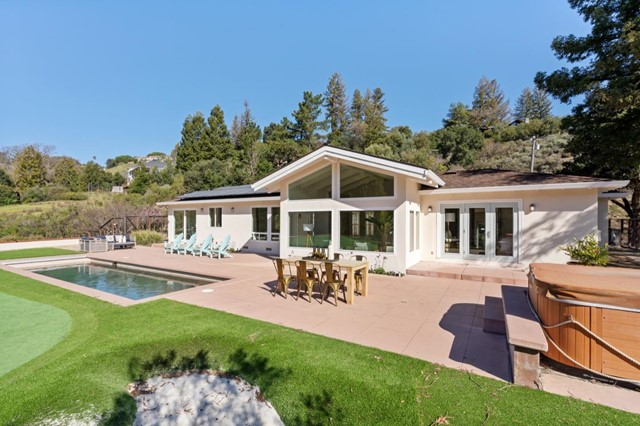 10520 Sundown Canyon Way, Los Altos Hills, CA 94024