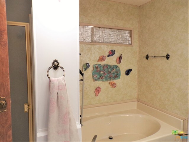 Separate Soaking Tub & Shower Means Luxury & Relaxation