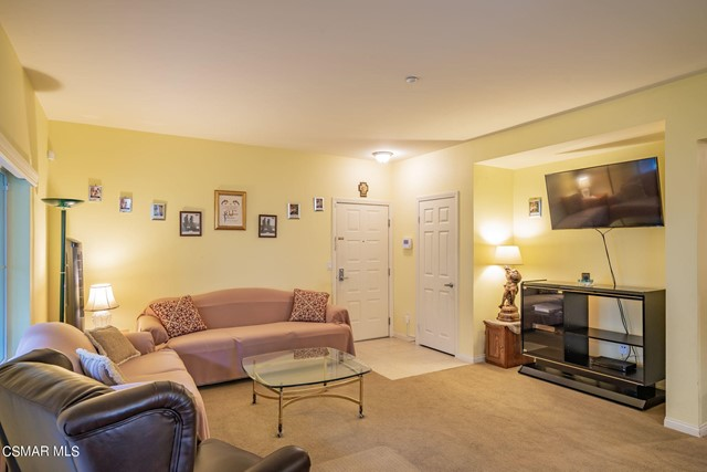 8. 461 Country Club Drive #111 Simi Valley, CA 93065