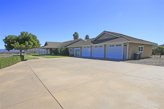 18155 Traylor Rd, Ramona, CA 92065