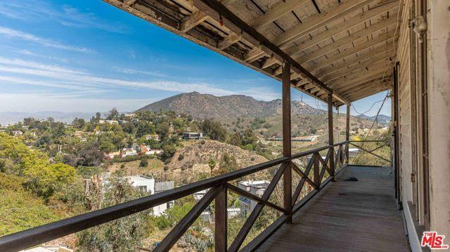 2. 6850 Cahuenga Park Trail Hollywood, CA 90068
