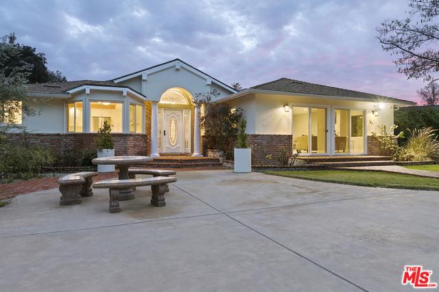 23202 OXNARD Street, Woodland Hills, CA 91367