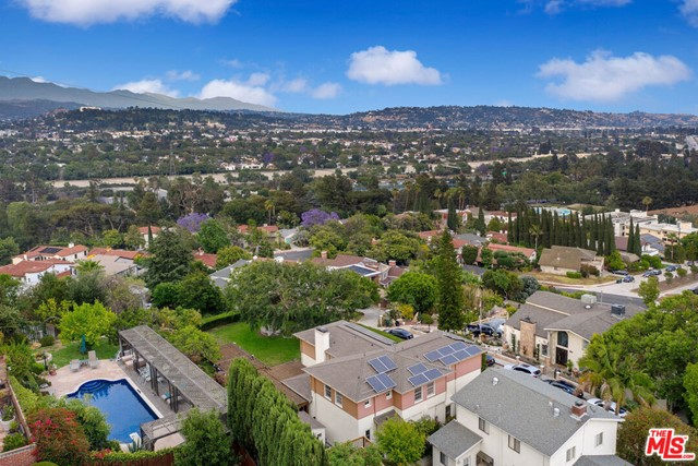 50. 3747 Effingham Place Los Angeles, CA 90027