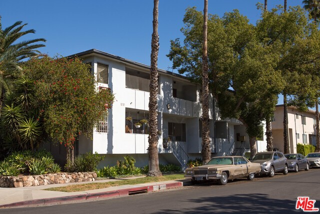 8355 Rosewood Avenue, West Hollywood, CA 90048