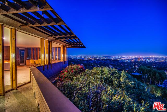 12262 SKY Lane, Los Angeles, CA 90049