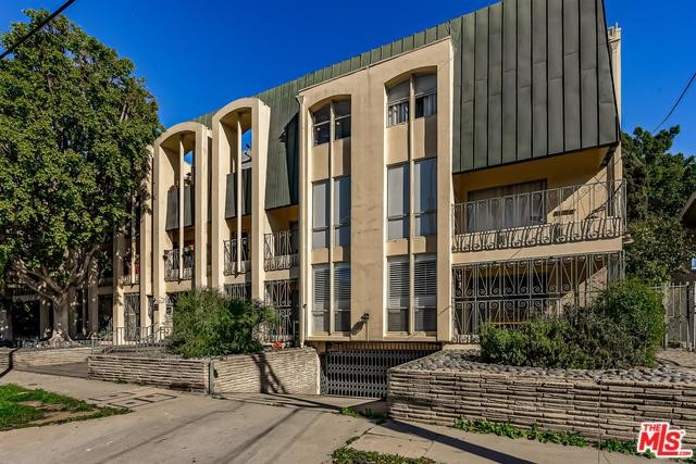 1820 CANYON Drive 202, Los Angeles, CA 90028
