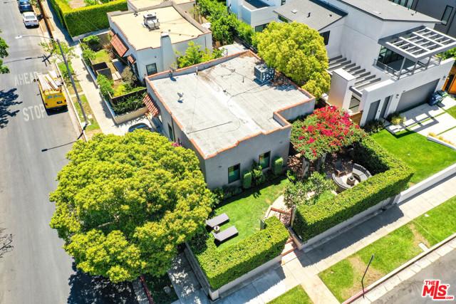 25. 750 N Curson Avenue Los Angeles, CA 90046