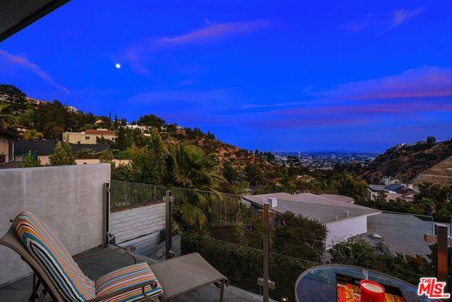 44. 7950 Electra Drive Los Angeles, CA 90046