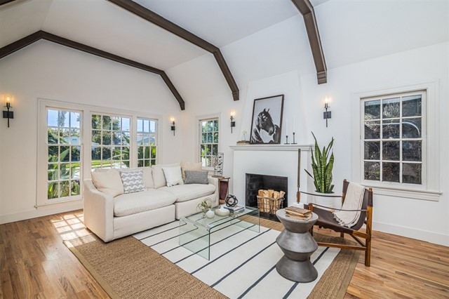 1858 Chatsworth Blvd., San Diego, CA 92107