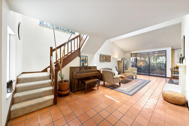3. 2040 Middlefield Road #24 Mountain View, CA 94043