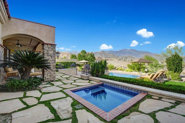 2 Mirada Circle, Rancho Mirage, CA 92270