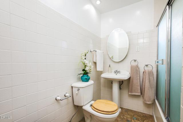 33. 3223 Grandeur Avenue Altadena, CA 91001