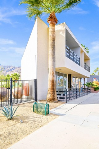Image 7 of 2481 N Palm Canyon Dr, Palm Springs, CA 92262