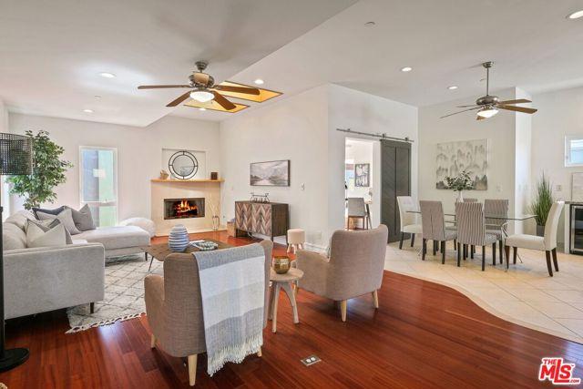 315 Anita Street B, Redondo Beach, California 90278, 4 Bedrooms Bedrooms, ,3 BathroomsBathrooms,For Sale,Anita,21698128