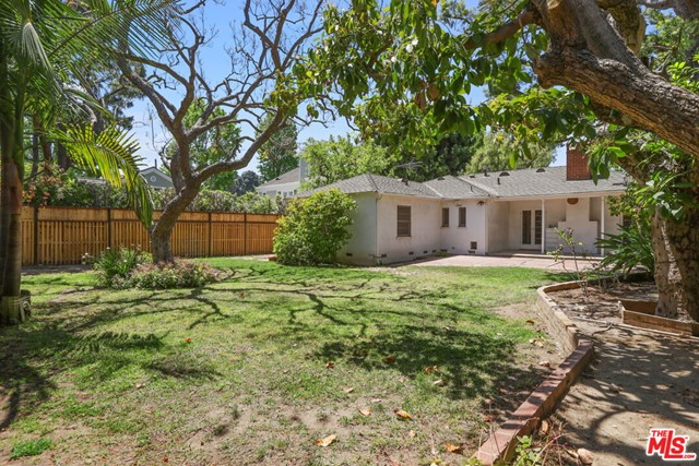 530 Avondale Av, Los Angeles, CA 90049 Photo 33