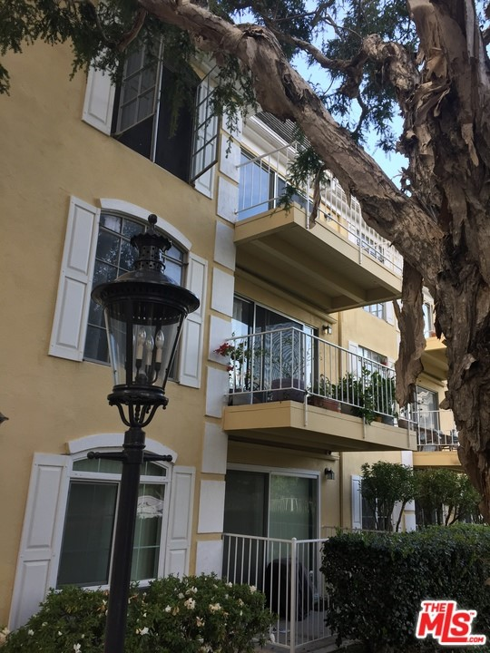 Photo of 500 CAGNEY Lane #8, Newport Beach, CA 92663