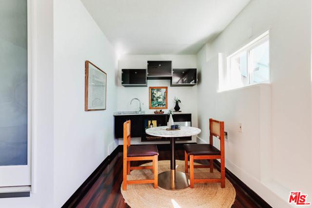 21. 1628 N Easterly Terrace Los Angeles, CA 90026