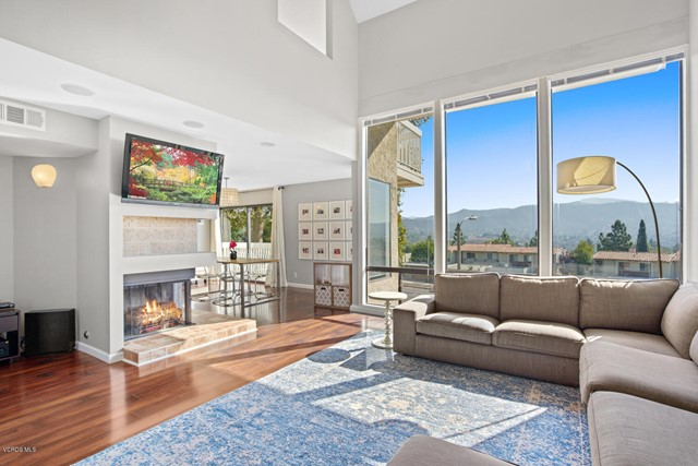 Photo of 580 Tree Top Lane, Thousand Oaks, CA 91360