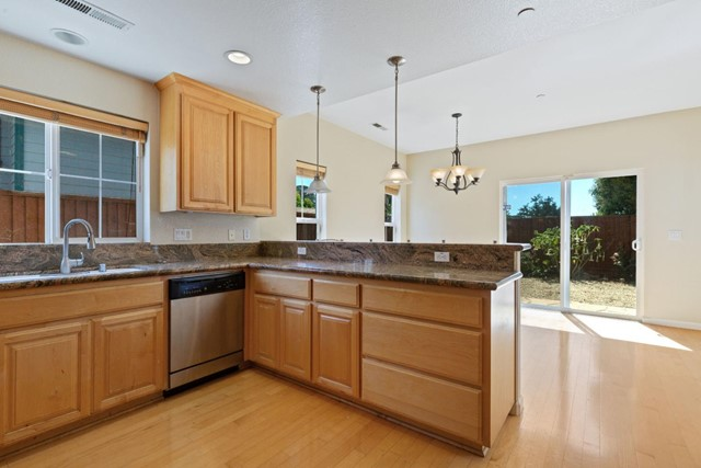 127 Greystone Court, Santa Cruz, CA 95062