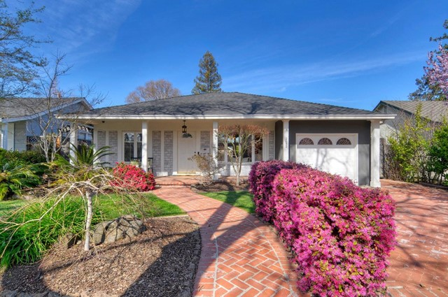 2052 Hampton Avenue, Redwood City, CA 94061