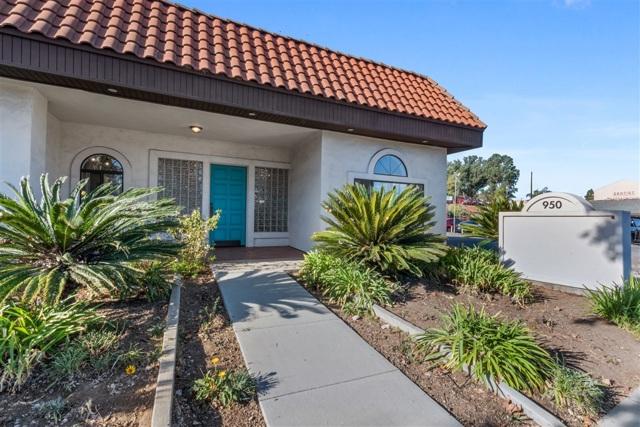 950 Vista Village Drive, Vista, CA 92084