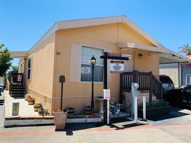 220 Camino Corto 39, Vista, CA 92083