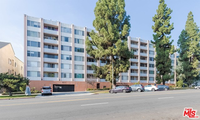 421 S LA FAYETTE PARK Place 715, Los Angeles, CA 90057