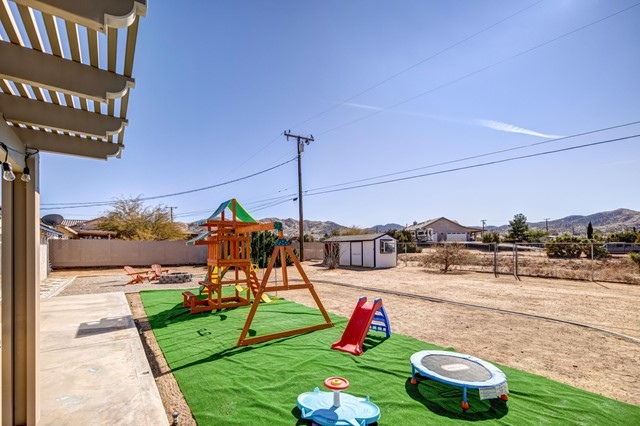33. 8628 San Vicente Drive Yucca Valley, CA 92284