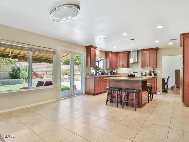 11. 11533 Coralberry Court Moorpark, CA 93021