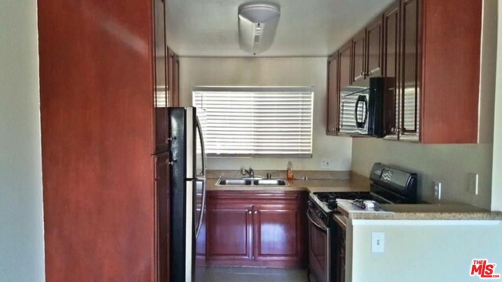 5500     Owensmouth Avenue   232, Woodland Hills CA 91367