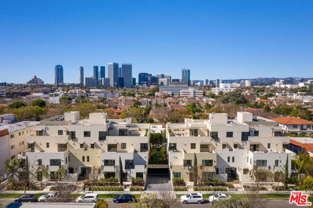 321 Elm Drive, Los Angeles, CA 90210 Photo