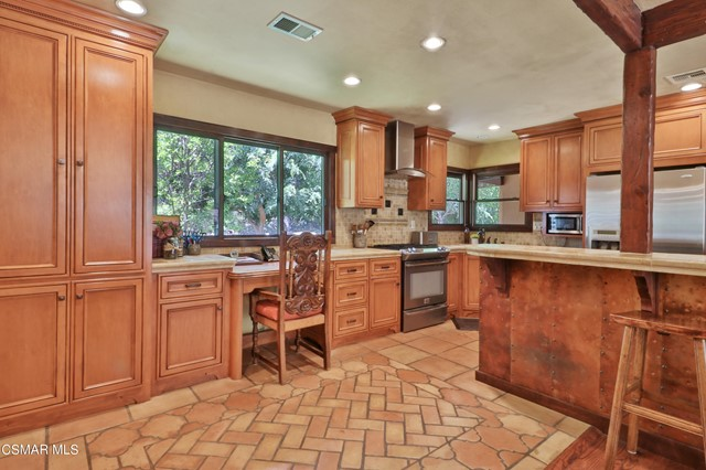 22. 202 Sundown Road Thousand Oaks, CA 91361