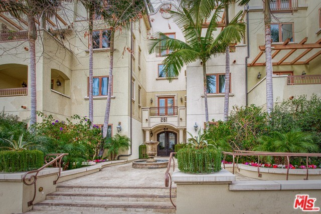 261 S REEVES Drive 104, Beverly Hills, CA 90212