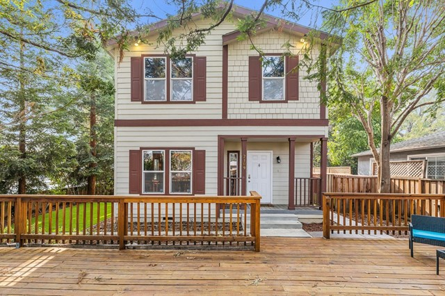2109 University Avenue, Mountain View, CA 94040
