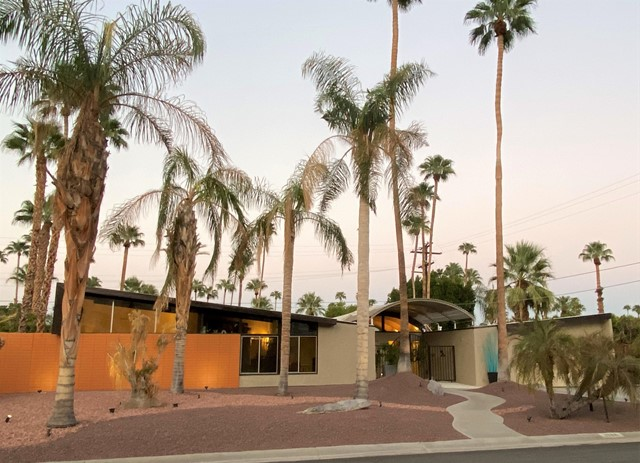 1986 S Yucca Place, Palm Springs, CA 92264