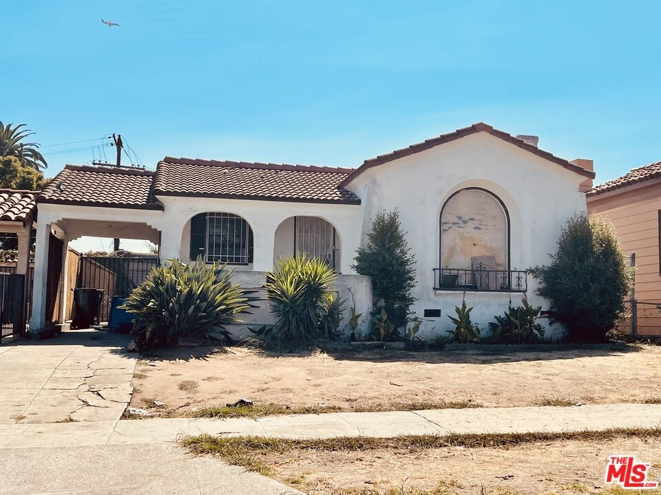 1452   W 90Th Place, Los Angeles CA 90047