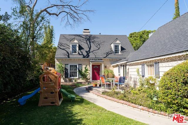 4827 RIVERTON Avenue, North Hollywood, CA 91601